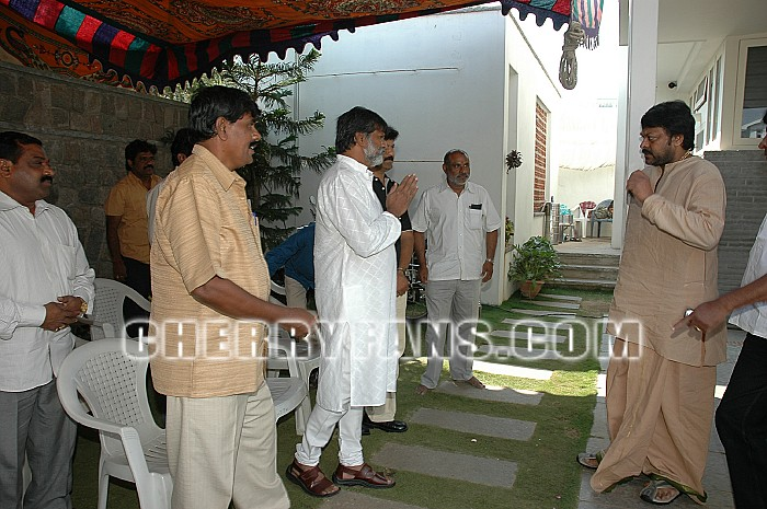 Governer ND Tiwari Visits Megastar Chiranjeevi House To Console Megastar Part 98